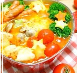 食後のアレンジ自在♪イタリアン・トマト鍋